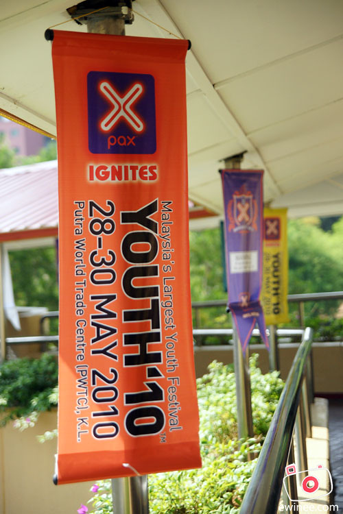 YOUTH-2010-PWTC-banners