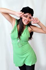 DSC_0245_4176 (MauroChagasFotógrafo) Tags: verde bonita coração gata beleza bela mão jovem toca casamentobelezamulhercriançasorrisopessoajuventude
