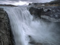 ....foss (B-mer) Tags: sky holiday snow fall ice water rock stone clouds river waterfall iceland may olympus hdr dettifoss 2010 bmer waterval powerfull e510 zd ijsland jökulsárgljúfur glacierriver jökulsááfjöllum 1260mm bmerolympus2010e510zdijslandiceland