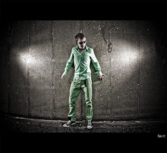 The greener the better (Arnholt) Tags: camera boy man guy green mall lens person photo outfit nikon flash experiment clothes vivitar purchase classes d60 285hv strobist