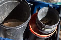 Anglų lietuvių žodynas. Žodis bucket reiškia n 1) kibiras; 2) ekskavatoriaus kaušas; to kick the bucket numirti lietuviškai.