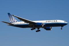 N780UA - 26944 - United Airlines - Boeing 777-222 - 100617 - Heathrow - Steven Gray - IMG_3902