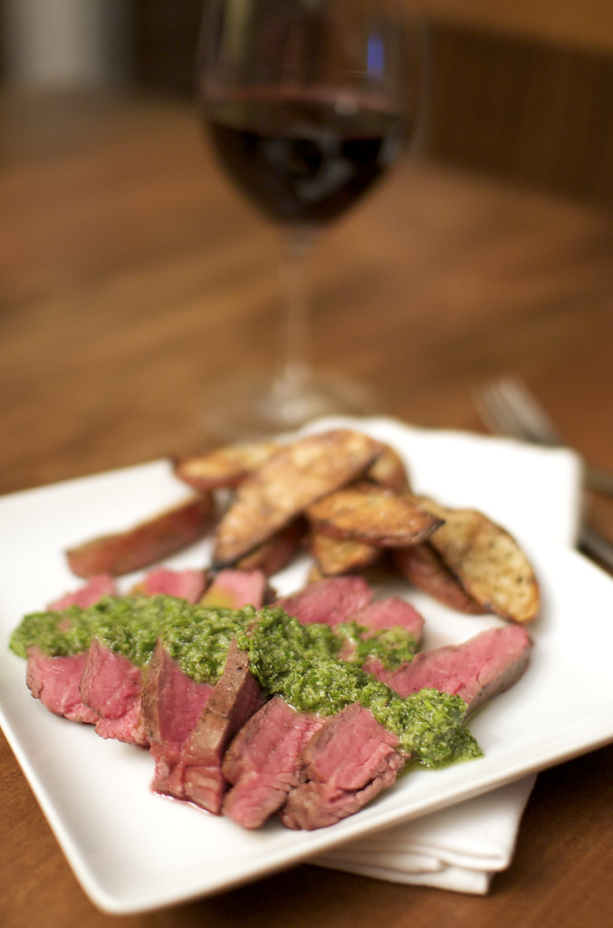 Flank Steak with Potatos and Chimichurri sauce
