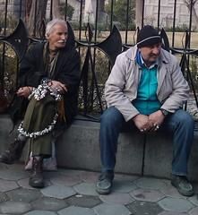 فروشنده تسبیح و انگشتر (AZIZBORHANI) Tags: ایران باغ مشهد انگشتر تسبیح نادری