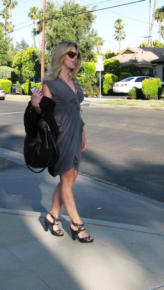 gray silk dress+calvin klein heels+vintage chain necklace