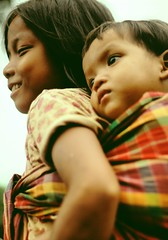 Onbu  (Kaz.MO) Tags: life family kids work children cambodia child with little side country tribe minority krung earthasia krungtribe