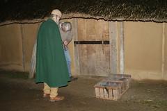Reinhard und Manfred an der letzten Tür von der Herberge - Wikinger Museum Haithabu WHH 31-10-2010