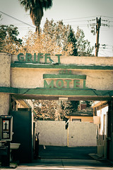 Griffith Park Motel (TooMuchFire) Tags: signs typography glendale type typeface motels lightroom brokensigns oldsigns vintagesigns vintagesignage oldmotels canon30d griffithparkmotel 1634victoryblvdglendaleca