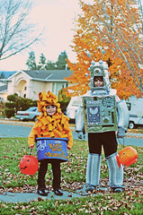 My little Cheezoids (boopsie.daisy) Tags: autumn costumes boy food cute fall halloween girl cheese kids dinner children pumpkin robot costume 60s october funny handmade sister jackolantern brother trickortreat 4 8 sadie retro homemade ashton macaroni 31st kraft 2010 macaronicheese trickortreaters trickortreat2010 handmadebymommy