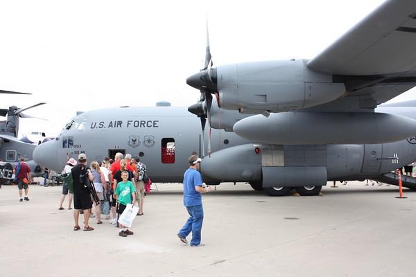 EAA10_C-130H_07