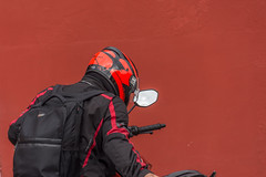red and the black knight (Pejasar) Tags: escuelaintegrada guatemala antigua red black motorcycle mirror backpack helmet