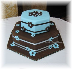 Tiered wedding cake, blue and brown (Diane's Sweet Treats - (Diane Burke)) Tags: blue wedding brown cake weddingcake ribbon fondant fondantflowers dianessweettreats dianeburke cutoutflowers fondanttieredcake