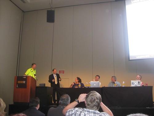 De presentatie is klaar. Jury geeft commentaar.