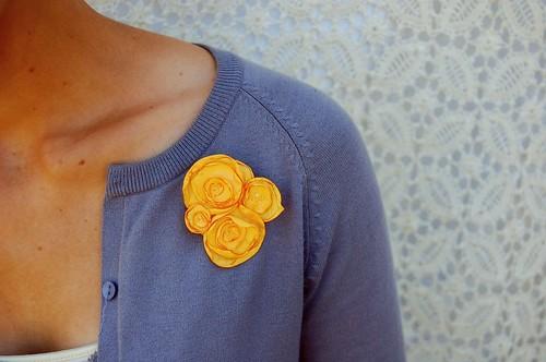 corsage pin