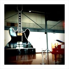 Gibson guitar factory (opacity) Tags: tour tn memphis tennessee showroom gibson camerabag iphone gibsonguitarfactory gibsonguitars iphoneapp iphone3gs
