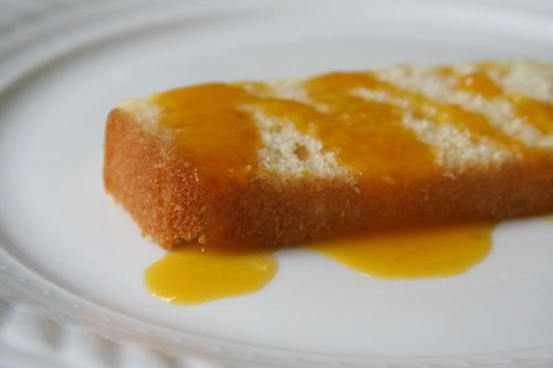 Lemon cake with mango sauce