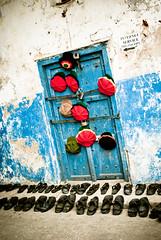 _IGP2354 (orang_asli) Tags: africa street urban tanzania shoes textile cap chapeau casquette zanzibar stonetown rue objets lieux afrique urbain aficionados clothe chaussure vêtement tanzanie géographie zanzibartown vtement gžographie