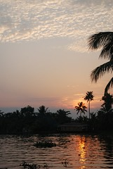 Backwater sunset (kingdumber) Tags: india kerala alleppey keralabackwaters