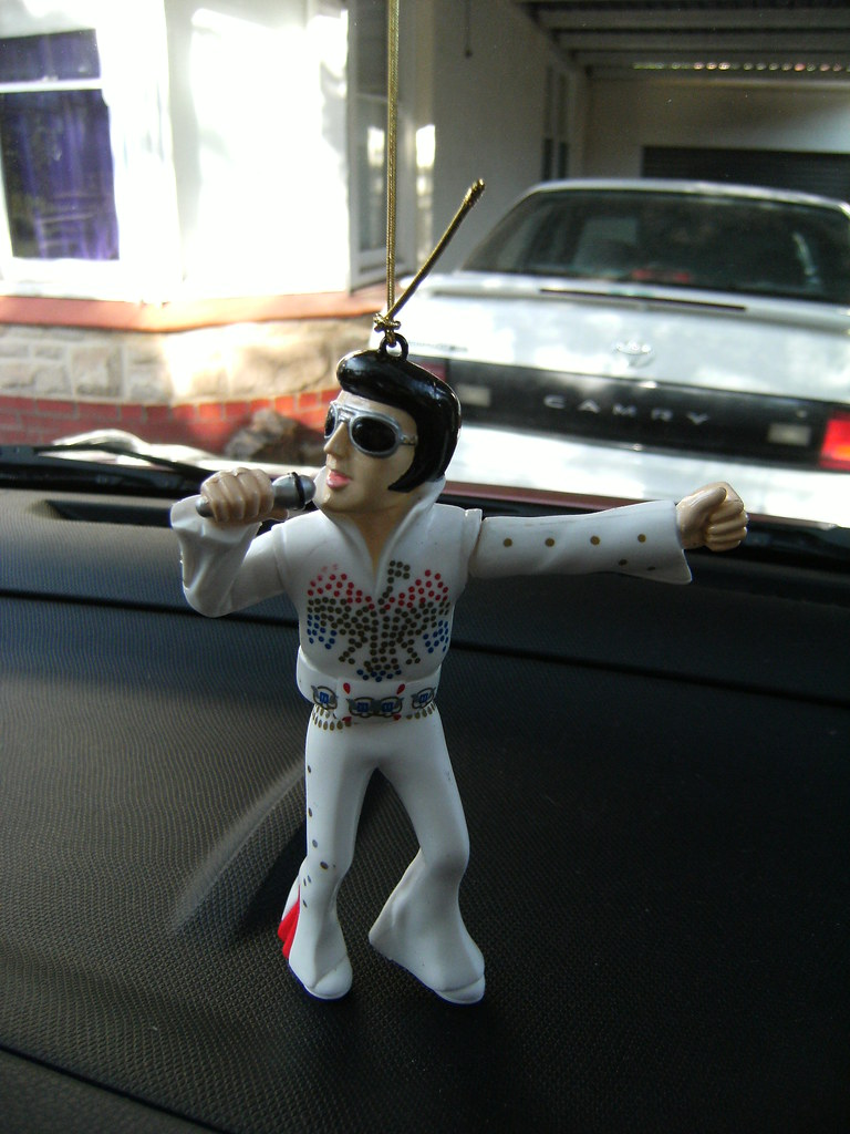 Micra á la Elvis