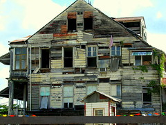 old hous in Paramaribo (Lilian 62) Tags: old paramaribo hous anawesomeshot 100commentgroup