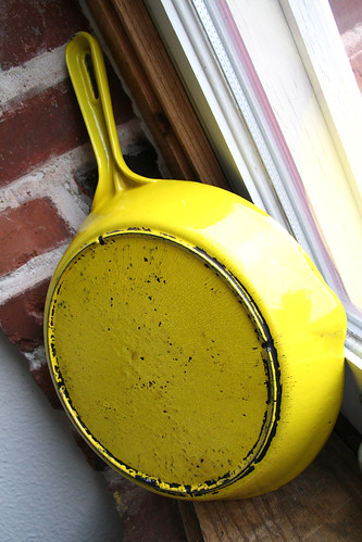 Enamelware Cast Iron Skillet - Lemon Yellow