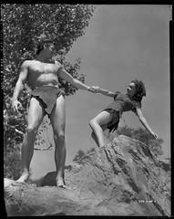 7000-0225 (AliceJapan ʕ •ᴥ•ʔ) Tags: 1936 johnny maureen mgm weissmuller johnnyweissmuller maureenosullivan o'sullivan tarzanescapes