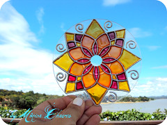 MANDALA ENCANTAMENTO... (Monica Chaves Mandalas) Tags: luz circle handmade cd artesanato mandala reciclagem decorao handcraft mandalas espiritualidade enfeite ornamentos reutilizao reaproveitamento cdreciclado reciclagemdecd mandalaemcd mnicachaves monicachaves artesanatozen