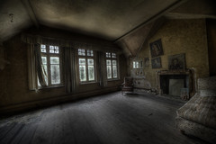 Liar bedroom (andre govia.) Tags: building art abandoned set decay best explore horror asylum hdr decaying urbex andregovia abandonedhostital