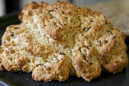 the hugest evah loaf of irish soad bread!
