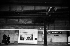 RER B, Port Royal, Paris, 2010 (Thomas Claveirole) Tags: bw paris film station train 35mm advertising railway railwaystation 135 publictransport tmax400 rer portroyal 24x36 leicam6ttl rerb tmax400400iso summicron1235mmasph