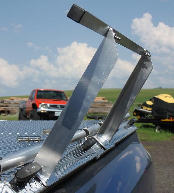 closed s pickuptruck dodge ram polished diamondback bluetruck diamondplate siderail sideloading tonneaucover truckbedcover dr02 atvrack atvtruckrack atvcarrier atvhauler adapterbar