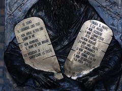 10 (Miguelar) Tags: italy statue italian italia ten commandments moises diez mandamientos diecicomandamenti diezmandamientos