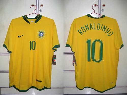 Brazil 2006-2007 Home S/S (RONALDINHO)