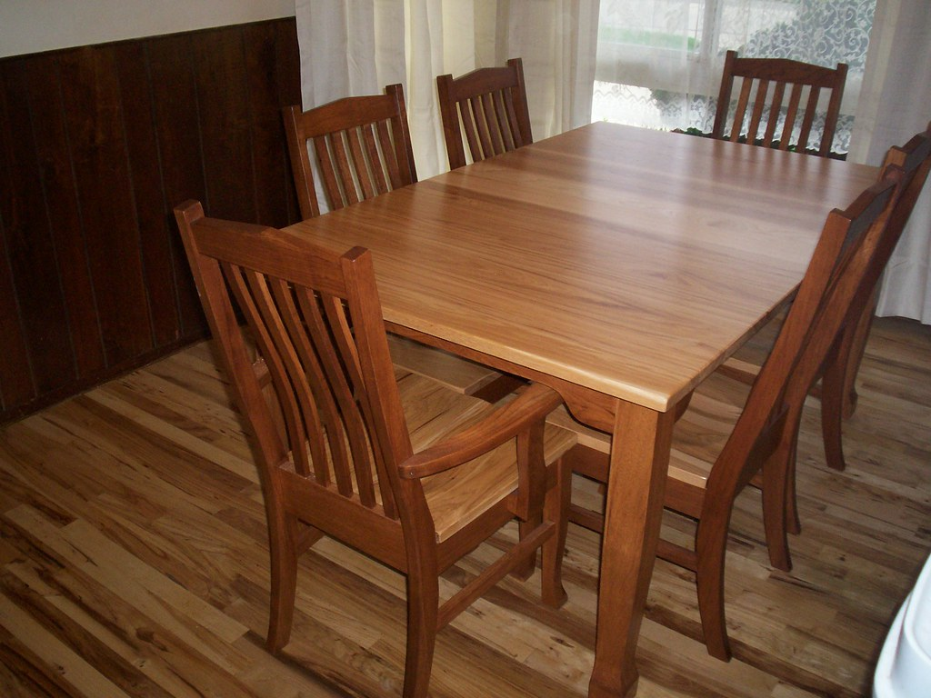 Heritage Table & Chairs