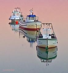 Flotando sobre un mar pastel (Juampiter) Tags: reflexions cdgexplorer