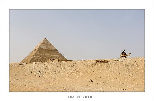 Piramides de Gizha by Ortzi Omeñaka