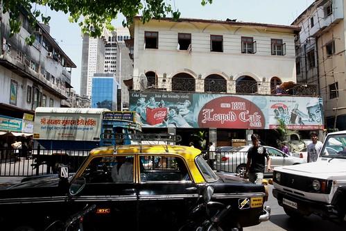 Low 2010-04-20 Mumbai 01 Downtown 05 Leos