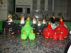 cocs 065 (bbelartes2010) Tags: de galinha artesanato dia na das decorao cozinha presentes galinhas coloridas mes pintinhos cabaa porongo criativos
