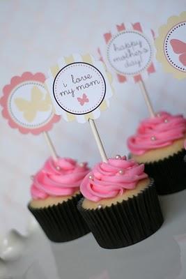 i love my mom cupcake
