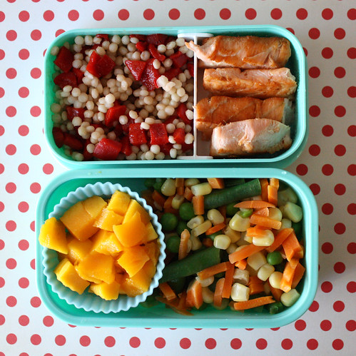 Toddler Bento #16: May 5, 2010