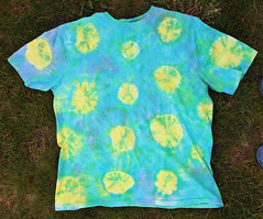 Yellow dots tie dye t-shirt
