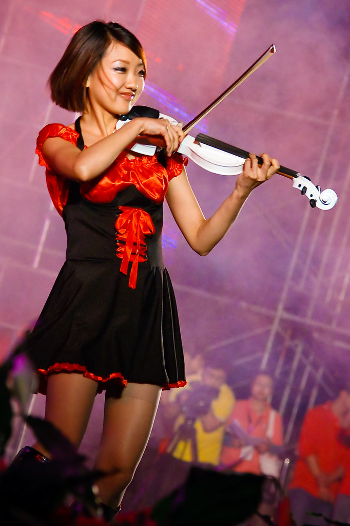 Violinist at Weinan Teachers University 50th Anniversary ( 渭南师范学院 )
