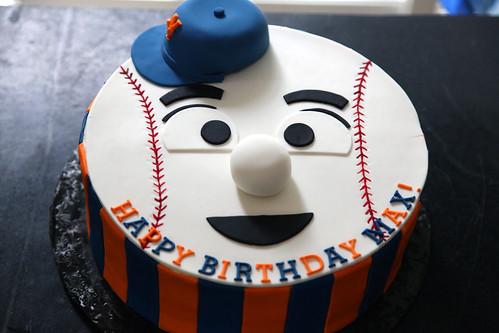 Mr. Met cake