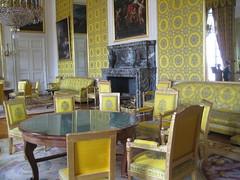 Salon jaune!