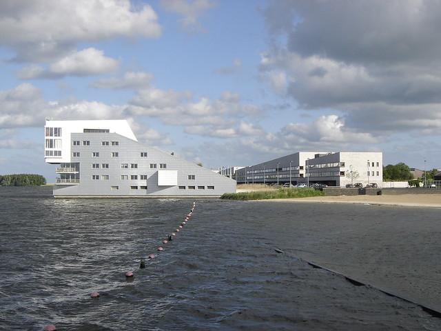 Huizen: Gooimeerpromenade