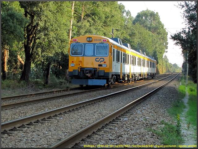 Série 592 (ex-RENFE) 5081070558_a1d4995986_z_d