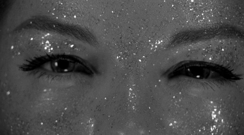Smiling eyes - eyelashes - glitter