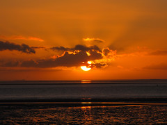 North Sea Sunset 1 (BlueRidgeKitties) Tags: winter sunset germany landscape deutschland december sonnenuntergang northsea landschaft nordsee schleswigholstein wattenmeer norddeutschland dithmarschen bsum waddensea northerngermany westkste buesum ccbyncsa nationalparkwattenmeer canonpowershotsx10is