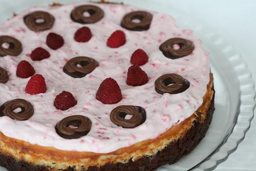 Hummingbird's brownie-cheesecake-raspberry torta / Hummingbirdi šokolaadi-toorjuustu-vaarikatort