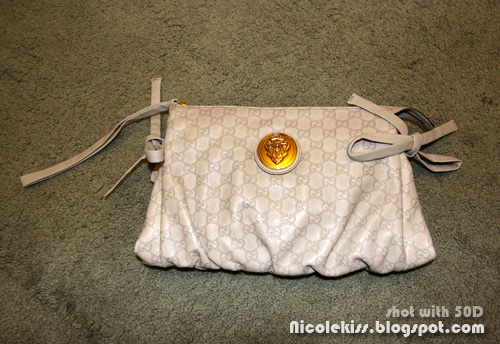 gucci hysteria clutch flash